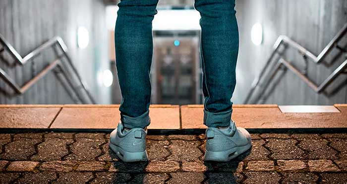 The-Ultimate-Guide-To-Finding-The-Best-Sciatica-Shoes