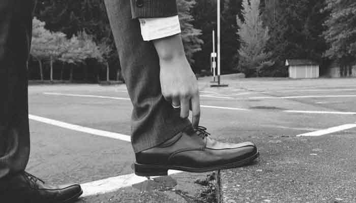 How to Stretch Shoes Wider: 7 Cool Tips